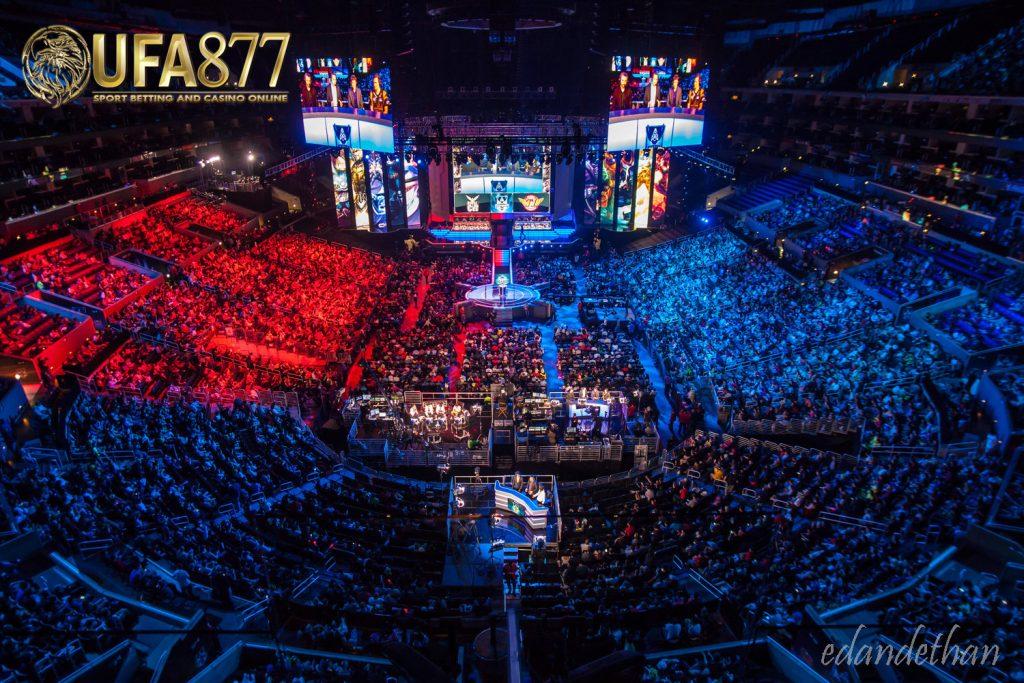 esport league คือ การแข่งขันกีฬาประเภทกีฬาอิเล็กทรอนิกส์หรือว่าการแข่งขันวิดีโอเกมนั่นเอง ซึ่งประเภทของผู้แข่งนั้นมีทั้งประเภทเดี่ยวและ